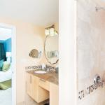 Two Bedroom Oceanfront Suite Bathroom